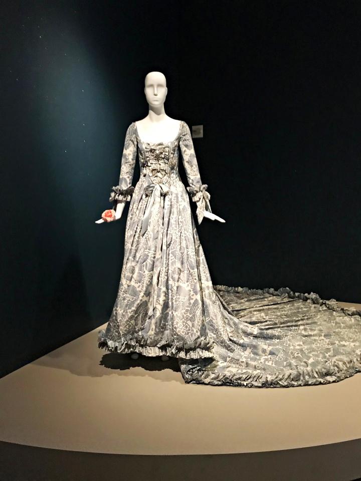 Oscar De La Renta for Kristen Dunst as Queen Marie Antoinette